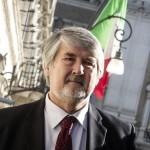 Il Ministro del Lavoro e Politiche Sociali, Giuliano Poletti, arriva a Montecitorio nel giorno del voto di fiducia alla Camera al governo del presidente del Consiglio Matteo Renzi, Roma 25 febbraio 2014. ANSA/ANGELO CARCONI
